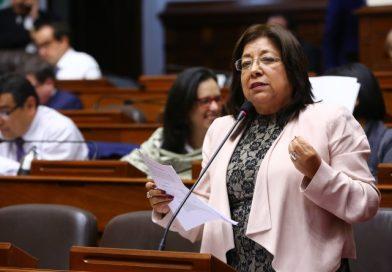 María Elena Foronda retorna al Congreso de la República y lo hace con tres proyectos de ley